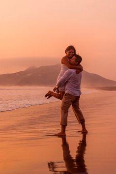 Llegó febrero, el mes del amor. Sorprende a tu pareja con estas románticas ideas.    #Matrimoniocompe #BodaPeru #MatriPeru #SanValentin #DiaDelAmor #SanValentinIdeas #Couple #Love #Romantica #14DeFebrero San Valentin Ideas, Post Wedding, Wedding Photoshoot, Leo, Couple Photos, Couples, Saints, Romantic Picnics, Spa Day