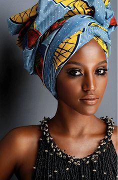 coiffure afro, foulard
