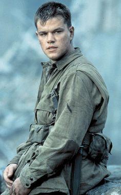 Saving Private Ryan from Matt Damon: la estrella de cine  Damon interpreta al soldado Ryan, quien es el hermano se mató en combate durante la Segunda Guerra Mundial.