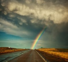Somewhere over the rainbow Beautiful World, Beautiful Places, Somewhere Over, Natural Phenomena, Over The Rainbow, Belle Photo, Amazing Nature, Science Nature, Wonders Of The World