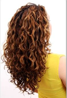 25 gorgeously long curly hairstyles 5 hairstyle with