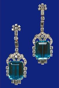 Pair of aquamarine and diamond earrings. The earrings and matching necklace were a Coronation gift to The Queen from the President and People of Brazil in The perfectly matched stones are in diamond and platinum settings. Royal Jewelry, I Love Jewelry, Fine Jewelry, Antique Jewelry, Vintage Jewelry, Aquamarine Earrings, Diamond Earrings, Diamond Necklaces, Sea Glass