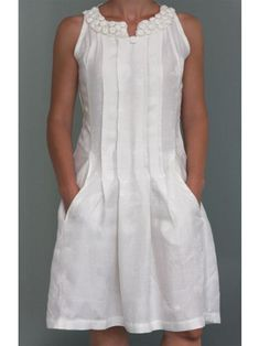 Solid Casual V Neck Cotton Dresses - With a clever combination of v-neck and sleeveless, this cotton dress is suitable for casual occasion in summer. Linen Dresses elegant,Linen Dresses outfit,Linen Dresses for women Source by - Elegant Dresses, Casual Dresses, Fashion Dresses, Formal Dresses, Wedding Dresses, Pretty Dresses, Homecoming Dresses, Short Dresses, Linen Dresses