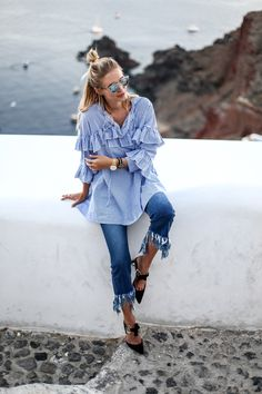 Fringe denim, pointed Proenza Schouler heels and Dior So Real glasses in Oia, Santorini: http://www.ohhcouture.com/2016/06/pointed-heels-fringes-stripes-santorini/#ohhcouture #leoniehanne #ohhSantorini