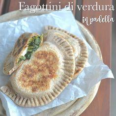 Fagottini di verdura in padella: con farina integrale, semplici e rapidi. La ricetta completa e il procedimento. Adatti anche ai bambini.