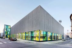 Built by aquidos in Borriana, Spain The new sports pavilion is the final piece of the public sports complex of la Bosca. Between the two sports halls the...