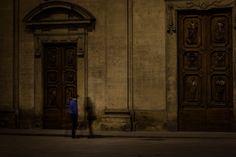 """""""Lui e i suoi Fantasmi"""" - Piazza Santa Trinita"""