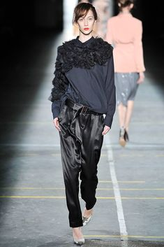 Dries Van Noten Fall 2009 Ready-to-Wear Fashion Show - Alana Zimmer (Elite)