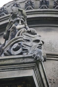 A friendly face in the Glasgow Necropolis