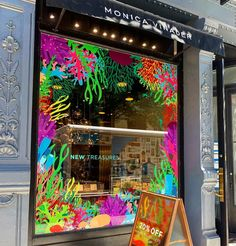 "MONICA VINADER, (Jewellery Store), Madison Avenue, New York City, USA, ""New Treasures and Trinkets"", photo by Stephanie Smith, pinned by Ton van der Veer Window Graphics, Madison Avenue, Window Art, Jewelry Stores, Van, Letters, Windows, Display, Stickers"