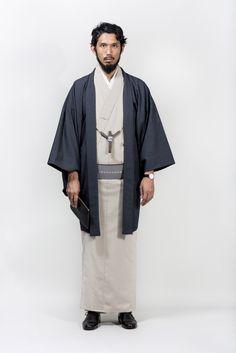 Men in Kimono Japanese Costume, Japanese Kimono, Japanese Outfits, Japanese Fashion, Japanese Clothing, Moda Kimono, Men's Kimono, Kimono Duster, Men's Yukata