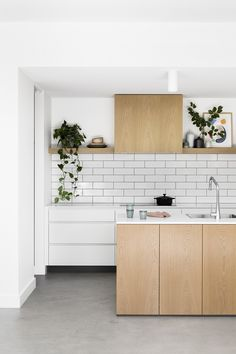 Kitchen Design Bloomfield Road – A Whole-home Approach — Kitchen Renovation & Custom Kitchen Designs Kitchen Interior, New Kitchen, Kitchen Decor, Kitchen Ideas, Skandi Kitchen, Kitchen Dining, Kitchen Island, Dining Room, Küchen Design