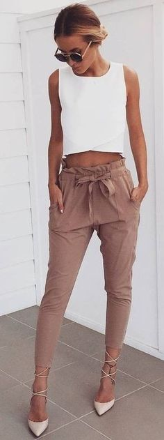 40 Summer And Popular Outfits Of Mura Boutique Australian Label White Crop + Dusty Pink Pants Mode Outfits, Casual Outfits, Fashion Outfits, Womens Fashion, Fashion Ideas, Outfit Formal, Outfits 2016, Fashion Advice, Fashion Pants