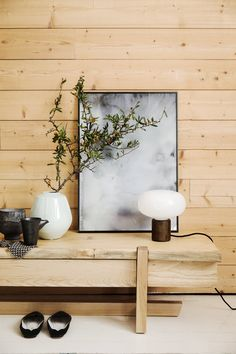 Tendance Japandi : style scandinave et esprit japonais - Côté Maison You are in the right place about old crates decor Here we offer you the most beautiful pictures about the mini crates decor you are Home Interior, Interior Styling, Interior Design, Scandinavian Furniture, Scandinavian Style, Wabi Sabi, Crate Decor, Old Crates, Patio Kitchen