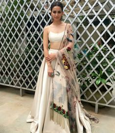 Indian lehenga - Unique Bridal Lehenga designs that is every Bride's pick in Indian Gowns Dresses, Indian Fashion Dresses, Indian Designer Outfits, Dresses Dresses, Designer Clothing, Choli Designs, Lehenga Designs, Latest Lengha Designs, Indian Lehenga