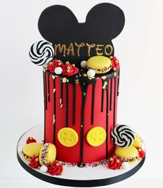 This might just be a favourite of mine (for obvious reasons 😂). Happy Birthday Matteo who will be enjoying a trip to Disney with his… Pastel Mickey, Mickey And Minnie Cake, Bolo Mickey, Minnie Mouse Birthday Cakes, Mickey Mouse Clubhouse Birthday, Mickey Mouse Parties, Mickey Birthday, Mickey Party, Boy Birthday Parties