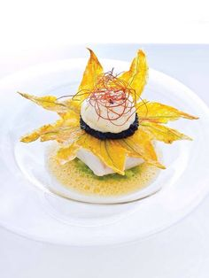 Can food be serious art? Star Food, Molecular Gastronomy, Culinary Arts, Creative Food, Food Design, Food Presentation, Food Plating, Food Styling, Gourmet Recipes