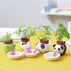 Peropon - Self-Watering Animal Planter (Cat & Wild Strawberry)