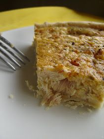 Everyone has heard of a quiche lorraine . But have you ever heard of a tuna quiche ? In France, we conjugate quiches in many flavors: with. Tuna Recipes, Quiche Recipes, Low Carb Recipes, Snack Recipes, Cooking Recipes, Yummy Recipes, Recipies, Savoury Recipes, Snacks