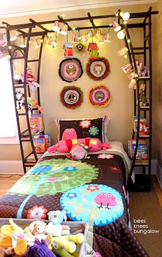 {Bees Knees Bungalow}: Bachman's 2011 Winter Ideas House; Pt. III - Kid's Rooms.