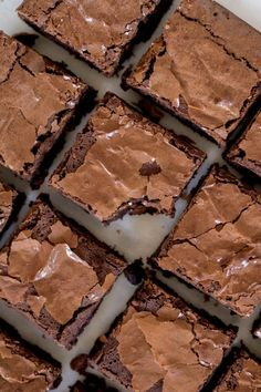 Ever wanted brownies but had no cocoa powder! These bakery style brownies without cocoa powder are gonna be your absolute favorite soon! Dark Chocolate Brownies, Chewy Brownies, Best Brownies, Chocolate Chunk Cookies, Melting Chocolate, Chocolate Chips, Chocolate Recipes, Cocoa Brownies, Cocoa Chocolate