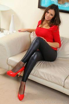 black 'n red  Sexy Girls. http://www.hot-sexy-dates.com/