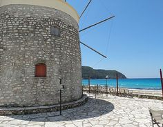 otu Orlof Lefkada O Milos The First Windmill In Lefkada Was Built In 1741 And Its First Name Was Coffee-Windmill Or Old-Windmill (Paliomilos). In 1770 With The Revolution Of Greek People The Windmill Took The Name Of Muscovite Horlofe, Chief Of The Russian Powers, As Symbol Of Independence of The Greek Slaves Against The Turkish Domination.   It Was Used As Windmill Till The Second Word War, Which Was Used By The Italian Conquerors As A Pillbox.