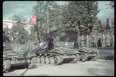 German victory parade in Warsaw. 2L on platform: Hitler. Location:Warsaw, Poland Date taken:October 1939 Photographer:Hugo Jaeger