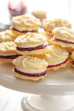 Mary Berry's Viennese Whirls – Saving Room for Dessert Mary Berry's Viennese Whirls – enjoy these delicious, tender melt-in-your-mouth butter cookies slathered with raspberry jam and a light vanilla buttercream filling. Cookie Desserts, Just Desserts, Cookie Recipes, Delicious Desserts, Tea Party Desserts, Holiday Baking, Christmas Baking, Viennese Whirls, Dessert Crepes