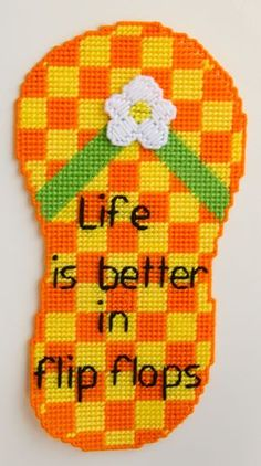 Stitch up this fun flip flop wall hanging for the summer. Made with worsted weight yarn and plastic canvas. Plastic Canvas Tissue Boxes, Plastic Canvas Crafts, Plastic Canvas Patterns, Plastic Craft, Plastic Canvas Stitches, Craft Patterns, Stitch Patterns, Crochet Patterns, Canvas Door Hanger