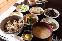 "Japaninfo added 14 new photos to the album: ""Obanzai"" Slow Food ดั้งเดิมของเกียวโต@Nishio Yatsuhashi no Sato — at 西尾八つ橋本店."