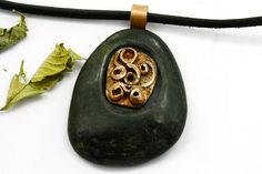 Stone Necklace  Beach Stone Necklace  Sea by naturalstonecutter
