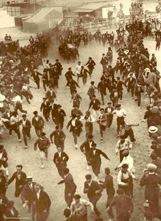 Encierro 1924 :: Running of the bulls (Cía) #Sanfermines #Pamplona