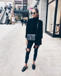 Black Outfit Ideas all black outfits 2019 outfit diy Black Outfit. Here is Black Outfit Ideas for you. Black Outfit black outfits that are slimming stunning and simple. Black Outfit the most stylish all . All Black Fashion, Look Fashion, Autumn Fashion, Trendy Fashion, Holiday Fashion, Mode Outfits, Casual Outfits, Fashion Outfits, Fashion Clothes