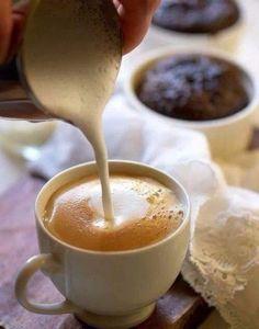 Enhance Your Morning Coffee With This Advice! Coffee Break, Coffee Time, Morning Coffee, Coffee Latte, My Coffee, Coffee Mugs, Expresso Recipes, Murcia, Cuban Coffee