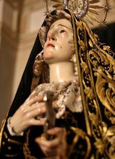 Virgen+de+los+Clavos+-+Santo+Entierro+(Zamora).jpg (1156×1600)