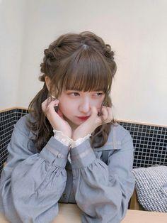 Korean Clothing Styles The Beige Blouse Cute Korean Girl, Cute Asian Girls, Pretty Girls, Medium Hair Styles, Long Hair Styles, Girl Fashion, Fashion Outfits, Korean Outfits, Ulzzang Girl