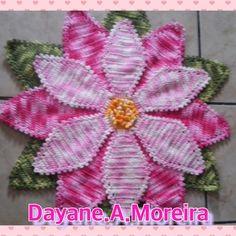 Tapete flor estrela todo feito com barroca da circulo tamanho 71 centímetros