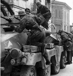 These paratroopers prepare to mount up for a ride somewhere on an Sd. 231 Rad) from the 115 in Italy in Luftwaffe, Paratrooper, Narvik, Italian Campaign, Ww2 Photos, Axis Powers, German Army, Armored Vehicles, War Machine