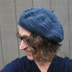 Ravelry: Classic French Beret pattern by Erika Larner Baby Boy Knitting Patterns, Knit Patterns, Knitting Ideas, Free Knitting, Baby Knitting, Knitted Beret, Crochet Hats, Knitted Slippers, Knitting Accessories