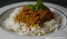 diet coriander and lemon chicken curry - 230 calories Curry Recipes, Diet Recipes, Cooking Recipes, Healthy Recipes, Fast Food Diet, 5 2 Diet, Healthy Snacks For Kids, Healthy Eating, Lemon Chicken