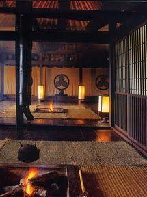 "Traditional Japanese house ""Chiiori"" in Iya Valley, Shikoku༺ ♠ ŦƶȠ ♠ ༻ Inside of the Tea house Japanese Interior Design, Japanese Design, Japanese Style, Japanese Spa, Japanese Dojo, Architecture Du Japon, Irori, Traditional Japanese House, Japanese Homes"