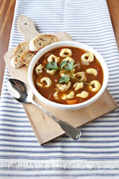 Such easy and delicious tortellini soup that kept me full all weekend.