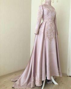 Look .:separator:Very beautiful. Look . Hijab Prom Dress, Muslimah Wedding Dress, Hijab Evening Dress, Muslim Wedding Dresses, Muslim Dress, Evening Dresses, Dress Up, Abaya Fashion, Muslim Fashion