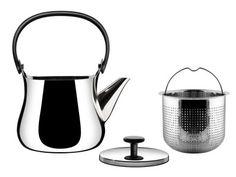 """""""Cha"""" significa té en japonés, y esta tetera es una transformación de las teteras tradicionales japonesas en un objeto moderno multiusos. Esta tetera está fabricada en acero inoxidable pulido con una agarradera de resina termoplástica que mantiene tu mano lejos del calor."""