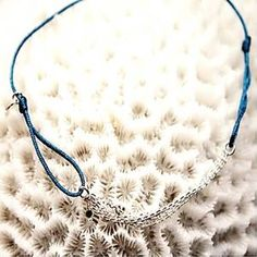 Bracelet fil et chaines en argent ou plaqué or avec 1 diamant noir