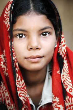 Beautiful young Bangladeshi girl - David Lazar, photographer