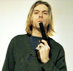 Kurt Cobain...so sexy and inspirational