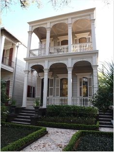 Double Gallery Historic Home that is almost perfect condition. It has to be over 140 years old