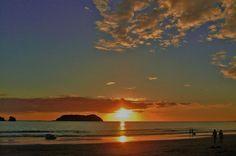 http://www.discoverybeachouse.com/wp-content/gallery/discovery-beach-house/38-sunset_3_island.jpg #ParadiseAwaits